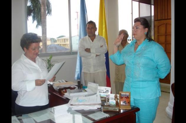 Momentos en que Lía Ojeda Yépez, se posesionaba en propiedad como Magistrada de la Sala Penal del  Tribunal Superior de Córdoba.