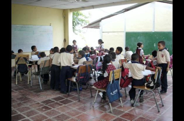 La comunidad estudiantil de Villa Cielo requiere que el municipio de Montería mejore las condiciones del plantel educativo para el desarrollo de la familia estudiantil de esta zona de Montería.