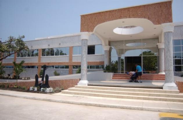 Gran parte del club naval de Crespo ha sido demolida por orden judicial