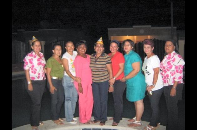Eilen Anichíarico, Gloria Hernández, Neorlidis Vásquez, Ana Quevedo, Nerys Cavadía, Ángela Marciglía, Patricia Garcés, María Eugenia Correa y Nelcy Vargas.