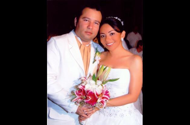 Alejandro Ruiz y Ana Karina Álvarez en la ceremonia religiosa.