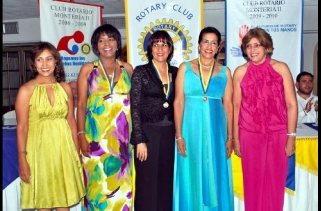 Catalina Zarate Ortiz, Fabiola Palacio Montenegro, Francia Milanés Suárez, Clara Pastrana Gracias y María Estela Ramírez Mendoza, nueva junta directiva del Club Rotario Montería.