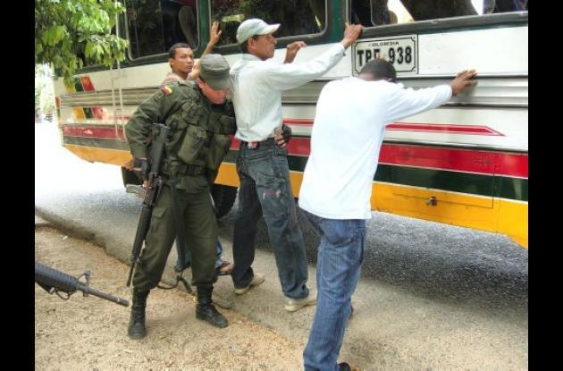 La Policía incrementó los operativos en la región del San Jorge para dar con el paradero de los responsables del doble crimen en La Apartada.