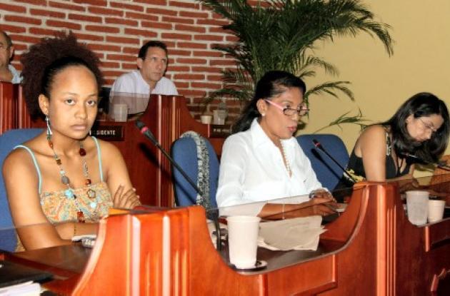 La directora del penal Nilda Melendez la acompañó en la citación la jefe de recursos humanos del distrito Marta Carvajal y la Secretaria del Interior Cindy Meza.