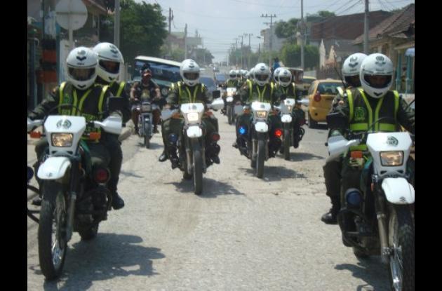 Los primeros operativos del Escuadrón Antisicarios se realizaron ayer en la mañana en los barrios La Esperanza y La Candelaria.
