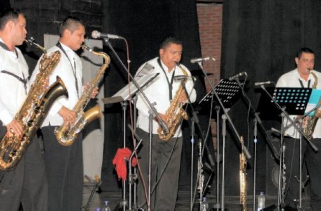 Los integrantes de Sinú Sax Quartet durante el concierto en el Teatro Municipal de Sincelejo.