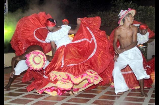 El grupo Sones de Torobé, fue el encargado de darle apertura a la muestra del Festival Afrosabanero.