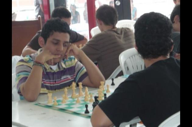 El ajedrecista Sub 15, David Solano, del departamento de Sucre, se exigió y fogueó en el torneo nacional en la categoría Sub 16, logrando una destacada posición.