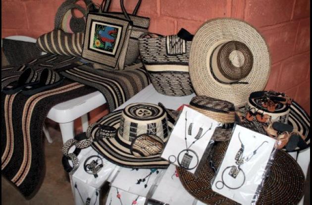 Las artesanías de la etnia Zenú de Sucre y Córdoba, tiene como materia prima la caña fecha.
