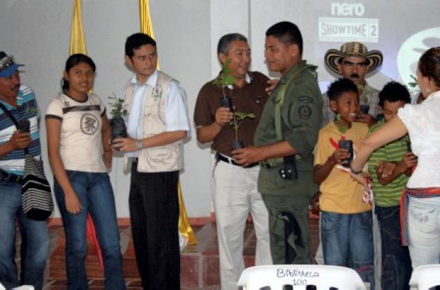 Tres eventos se desarrollaron en los municipios de San Antonio de Palmito, Los Palmitos y Sincé con los Agentes de la Conservación en la entrega de los arbolitos, talleres educativos en instituciones y entrega de material con información ambiental.