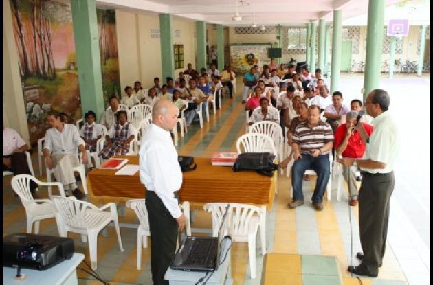 En la institución educativa Santa Teresita de Tolú se cumplió el lanzamiento del Plan de Bilingüismo.