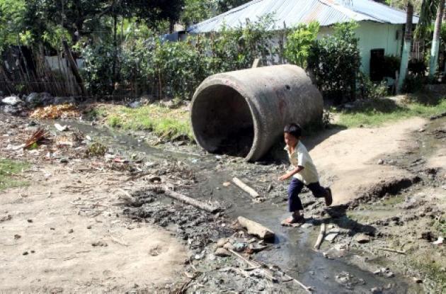 Habitantes de Altos del Rosario, zona norte de Sincelejo, están pidiendo a la Administración municipal el arreglo de las calles, como la carrera 9C, y los problemas de saneamiento básico.