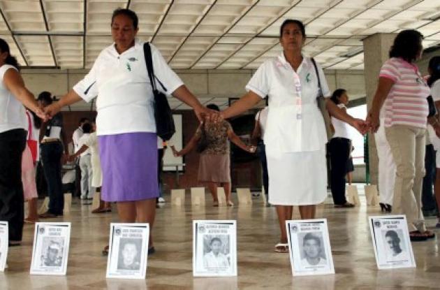 La Mujeres Tejedoras de la Memoria realizan actividades para dar a  conocer sus historias, todas diferentes, pero con un denominador común, la desaparición.