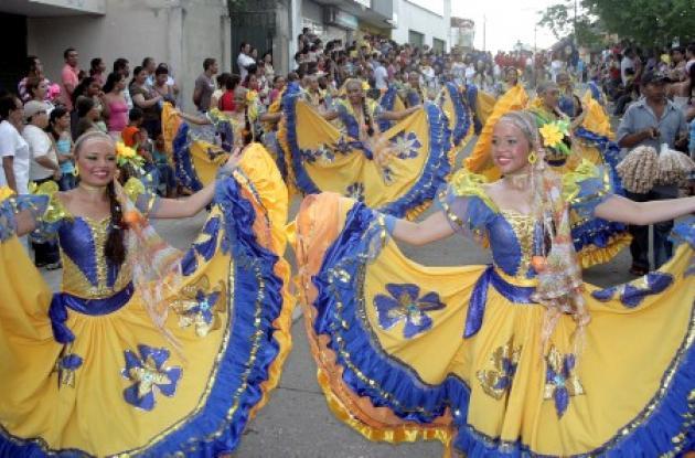 Unas 80 comparsas y cerca de 12 bandas de varios departamentos de la Costa Caribe protagonizaron el desfile multicolor y folclórico de las Fandangueras, evento que se desarrolla tradicionalmente durante el Encuentro Nacional de Bandas de Sincelejo.
