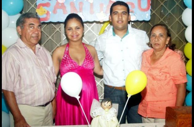 Hildeberto Salgado Buelvas, Kelly Torres, Amir Salgado y Gloria Mercado Pérez.