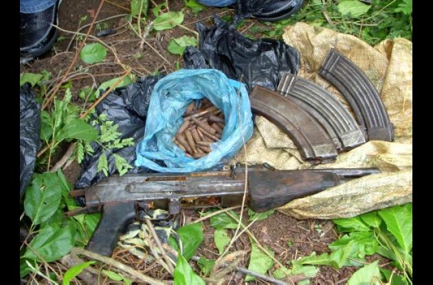 En el municipio de Morroa fueron encontradas varias armas de largo alcance, al parecer de la cuadrilla 35 de las Farc.