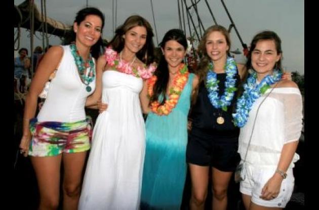 María de los Ángeles Barraza, Catalina Araújo, Cristina Araújo, Melissa Londoño y Natalia Segovia.