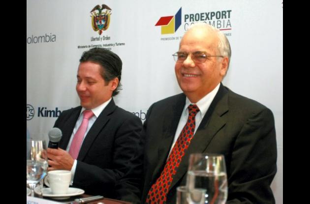 el viceministro de Desarrollo, Carlos de Hart Pinto, y el Presidente de Kimberly