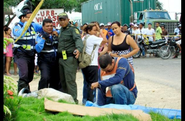 Desgarradoras escenas de dolor se vivieron en el sitio del accidente.