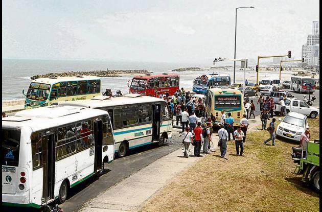 El aparatoso accidente de tránsito ocurrió a las 10:45 de la mañana  de ayer, en