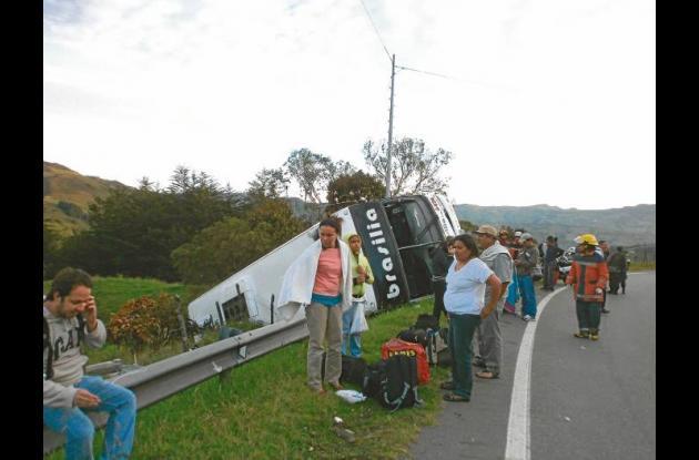 Seis monterianos heridos en accidente de bus de Brasilia.