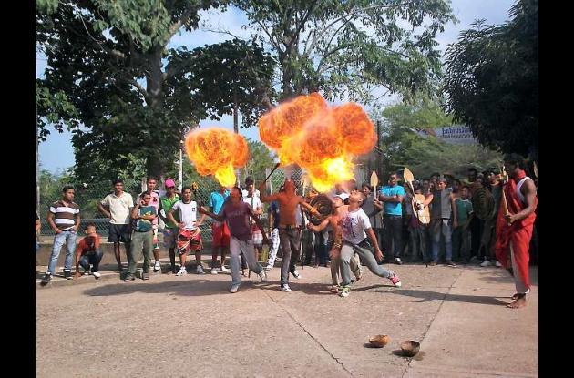 Actos culturales en el encuentro de jóvenes de zonas agobiabas por la violencia