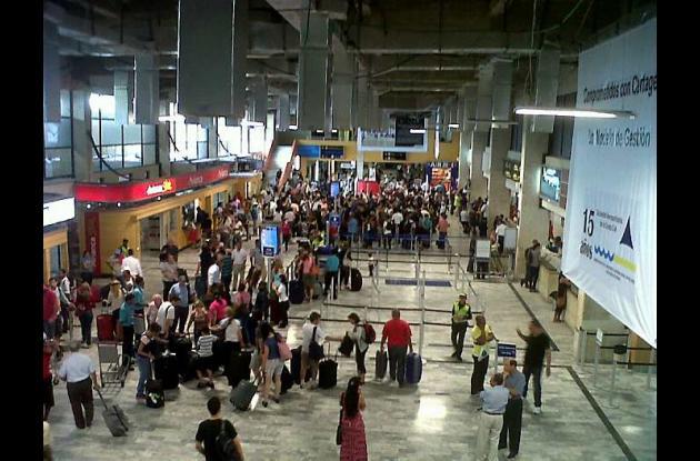 El aeropuerto Rafael Núñez está cerrado para la llegada de aviones.