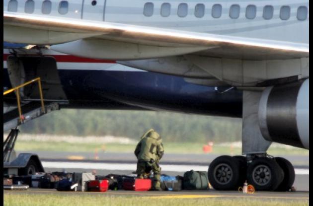 El avión de Airways fue evacuado por amenaza.