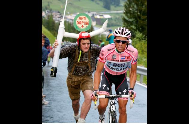 Alberto Contador y su presento dopaje en el Tour de Francia 2010