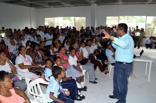 Alcalde Campo Elías Terán Dix Visita a la I. E. Nuestro Esfuerzo en El Pozón.