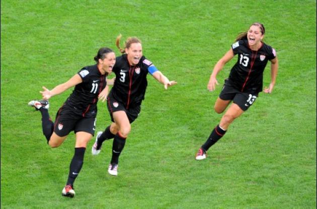 La canciller Angela Merkel se solidariza con la Selección Femenina de Fútbol.