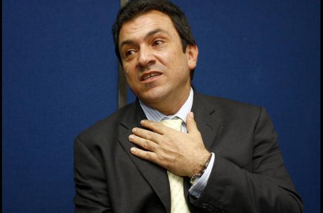 Alonso Salazar, ex alcalde de Medellín, inhabilitado por la Procuraduría.