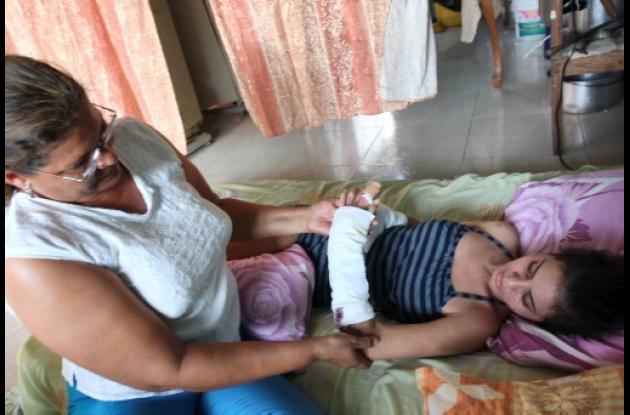 Amparo Atencia Tarriva y su familia piden explicaciones.
