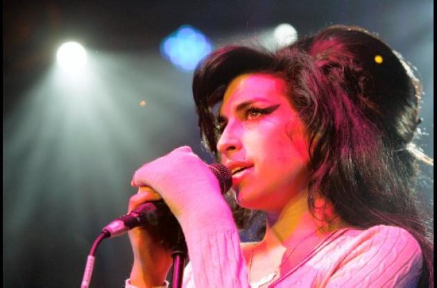 Amy Winehouse fue hallada muerta el sábado en su apartamento en Londres.