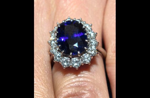 anillo de compromiso que lleva Middleton y que perteneció a la princesa Diana.