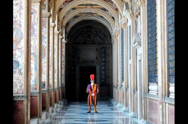 El Vaticano critica a agentes de viajes por cobrar entradas.