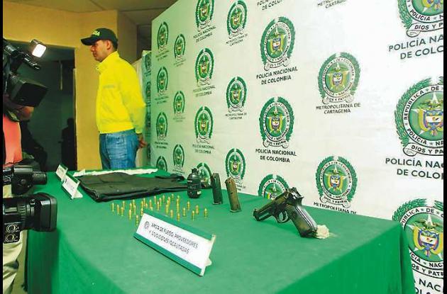 En los operativos la Policía se incautó un arma de fuego, municiones, un chaleco