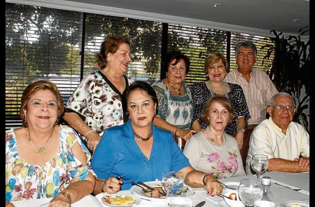 Reunión para Armando Castillo y Gladis de Castillo