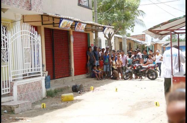 El dueño de la tienda Las Delicias, recibió 6 disparos.