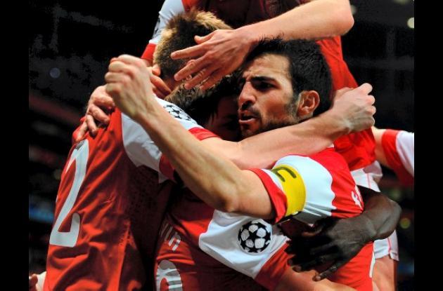 El Arsenal celebró un importante triunfo ante Barcelona en la Liga  de Campeones