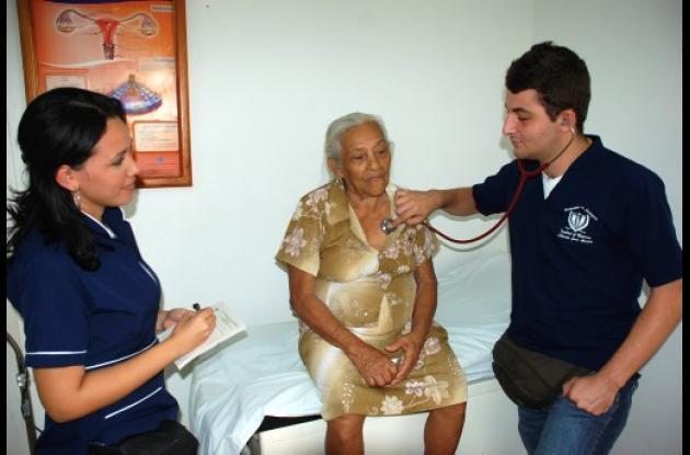 La atención médica favoreció a campesinos y ancianos.