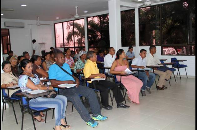 Audiencia pública en la que se adjudicaron 35 plazas docentes para el sur de Bol