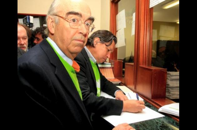 Augusto Ramírez Ocampo falleció anoche en Bogotá.