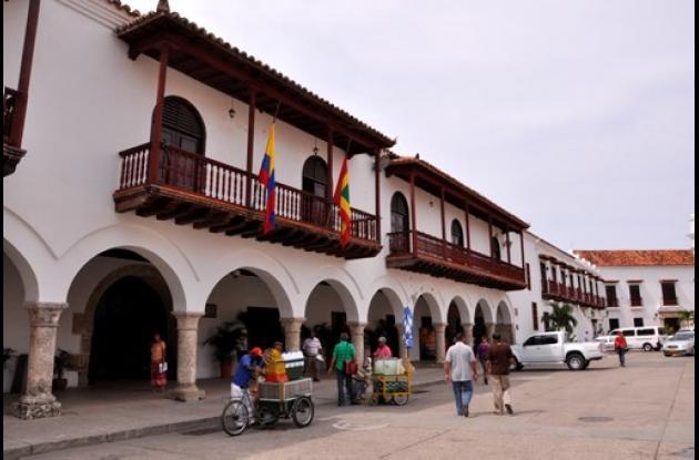 Banderas a media asta en el Palacio de la Aduana por muerte de Joe Arroyo.