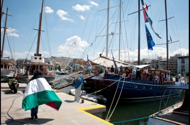 Siguen los bloqueos a la flotilla humanitaria para Gaza.