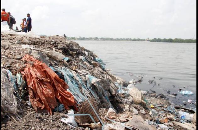 Contaminación en Bazurto.