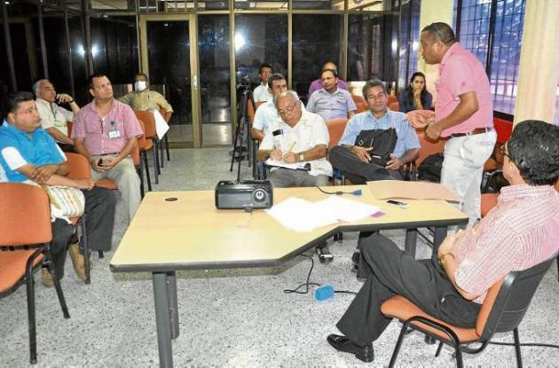 Reunión del gobierno departamental con representantes de Bellas Artes Sincelejo.