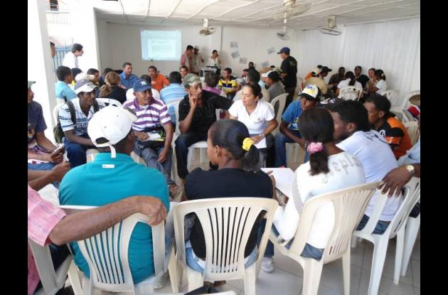 Beneficiarios del proyecto de cacao, reunidos en El Carmen de Bolívar.