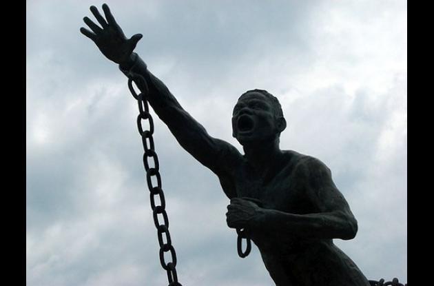 Estatua de Benkos Biohó instalada en la Plaza de la Trinidad.