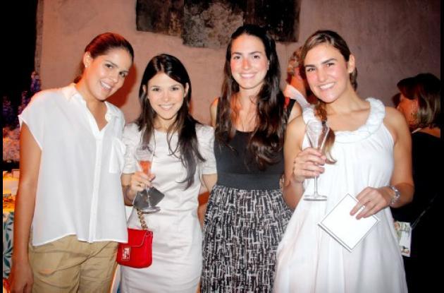 Natalia Araújo, Cristina Araujo, Ana Maty Trujillo y  María Luisa Londo